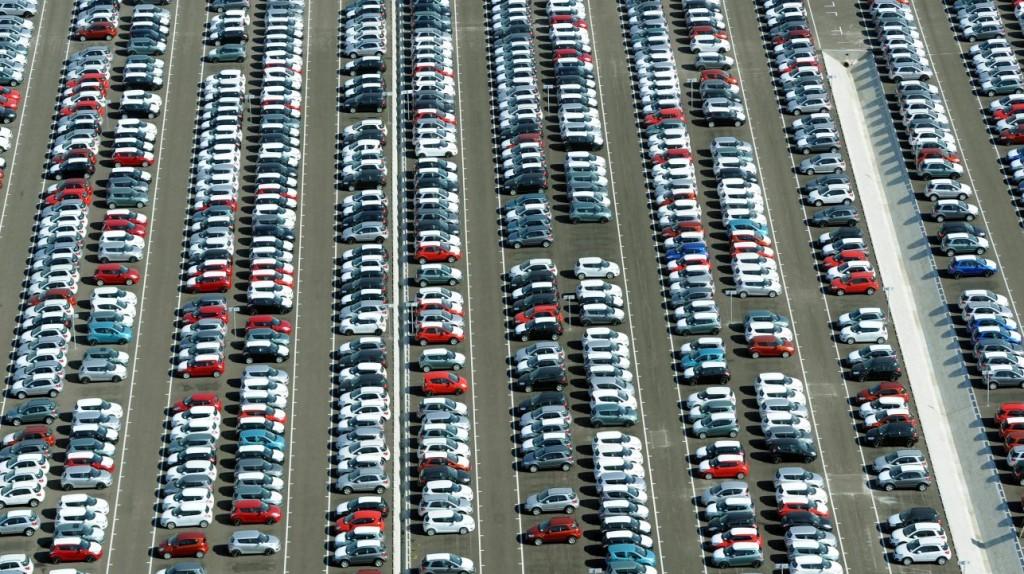 Sok autó piaca