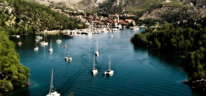 horvát